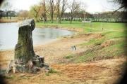 Znany warszawski społecznik zaprasza rodziny do naprawiania plaży nad Jeziorkiem Czerniakowskim